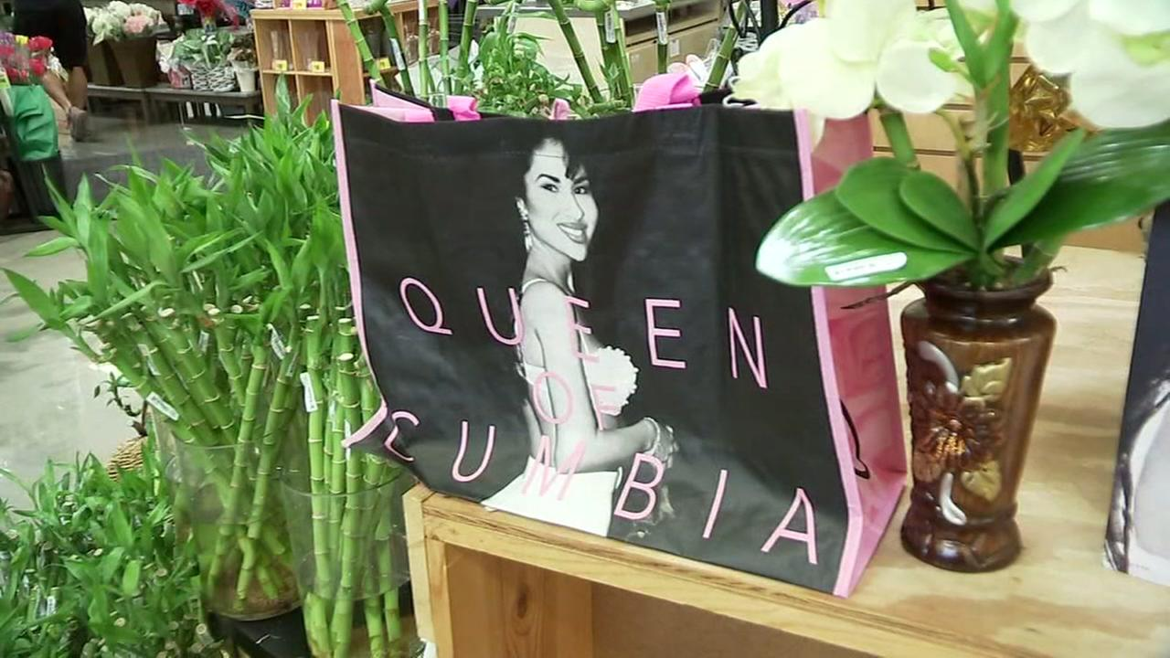 HEB website reportedly crashes from Selena shopping bag frenzy