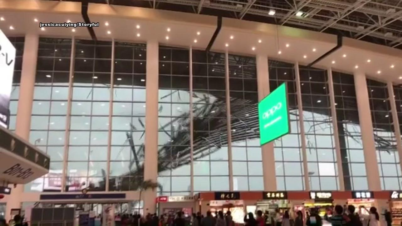 Partial roof collapse at China airport caught on video
