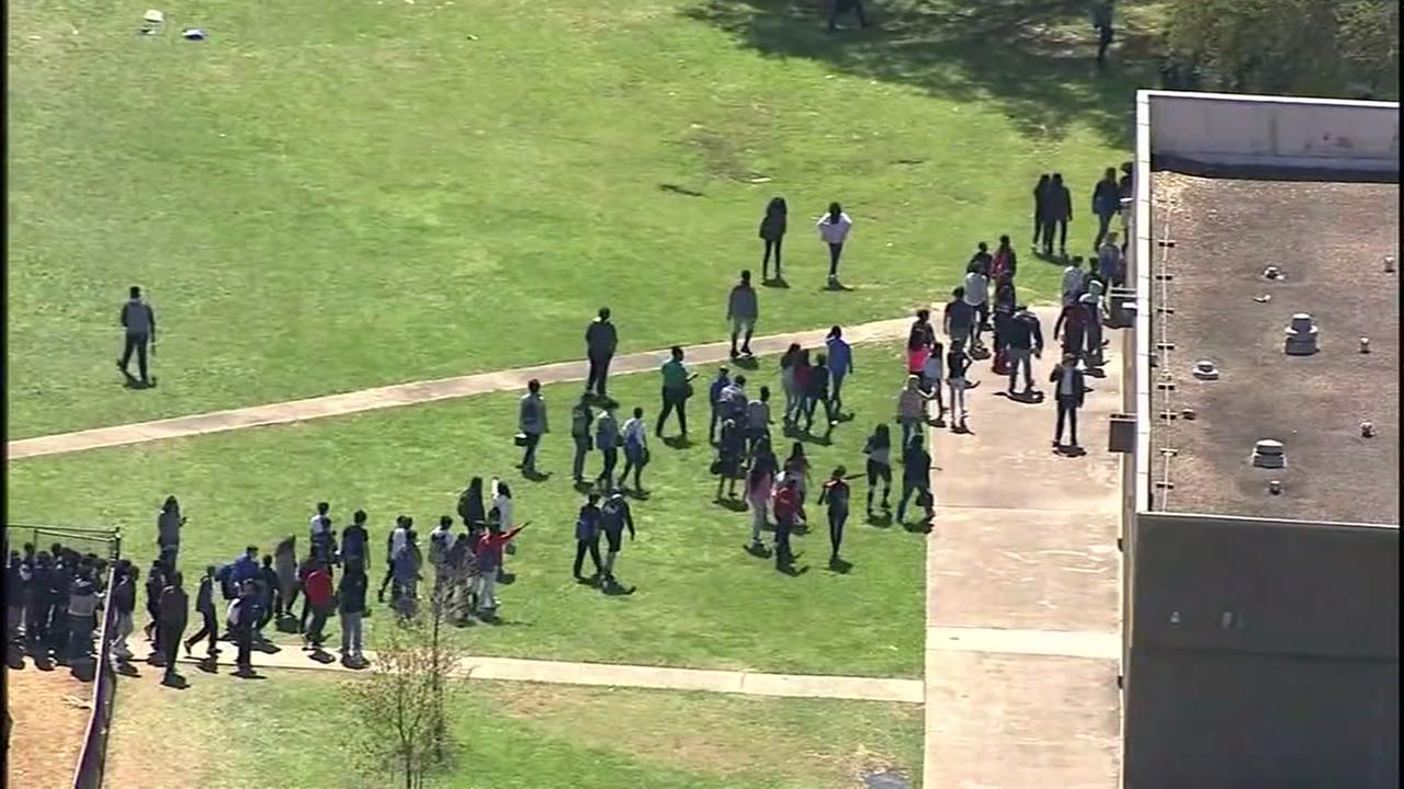 Pepper spray incident sends students and staff out of Fort Bend Co. school
