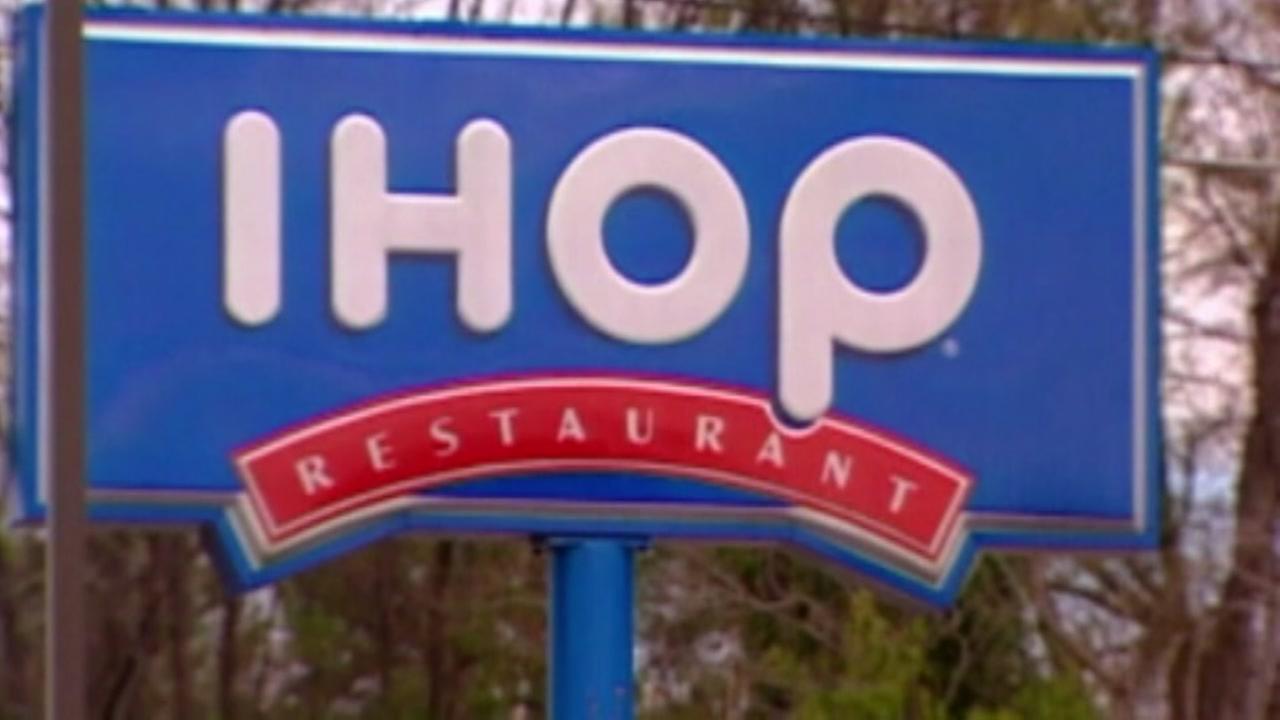 IHOP server tells black teens to pay before eating