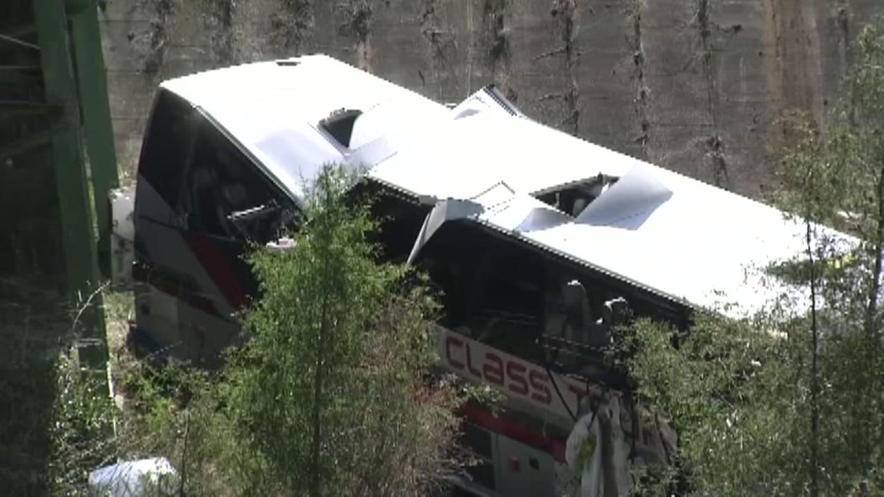 Investigators seek answers in deadly Alabama bus crash