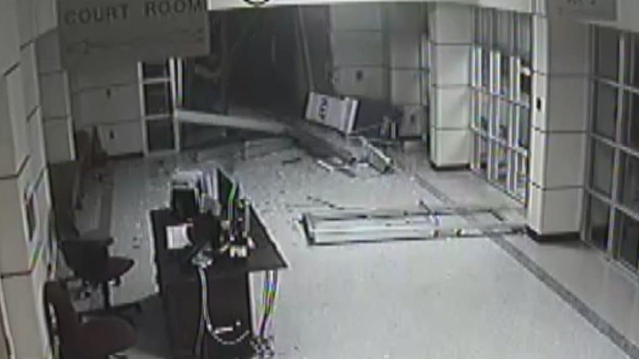 Surveillance video of courthouse smash and grab