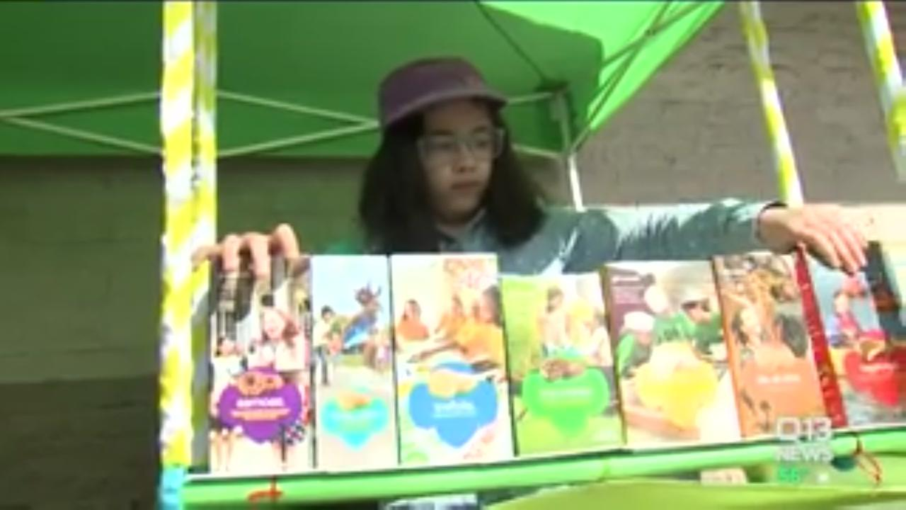 Girl scout still selling cookies after attempted robbey on stand