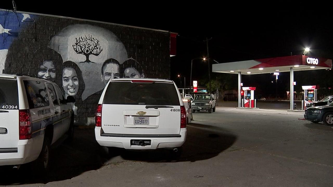 Man killed outside gas station in SE Houston after he stepped in to stop couple fighting