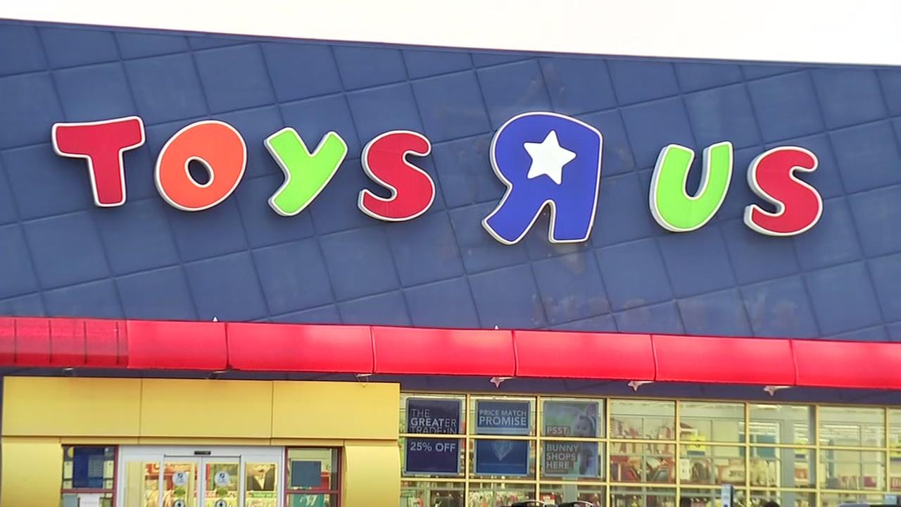Toys R Us CEO starts GoFundMe page to help save company