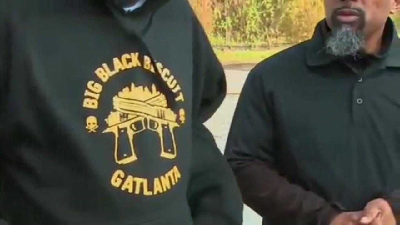 Man says he was kicked off flight over business logo on his shirt