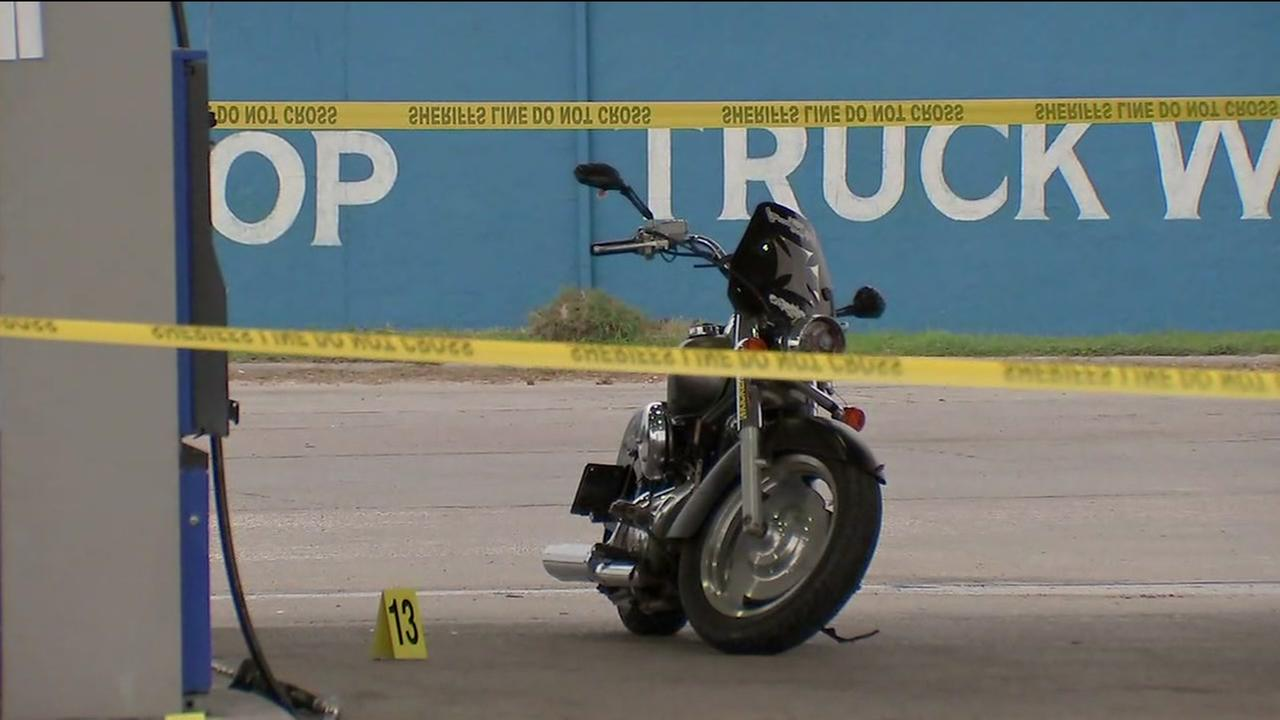 1 injured after shooting outside gas station in Channelview