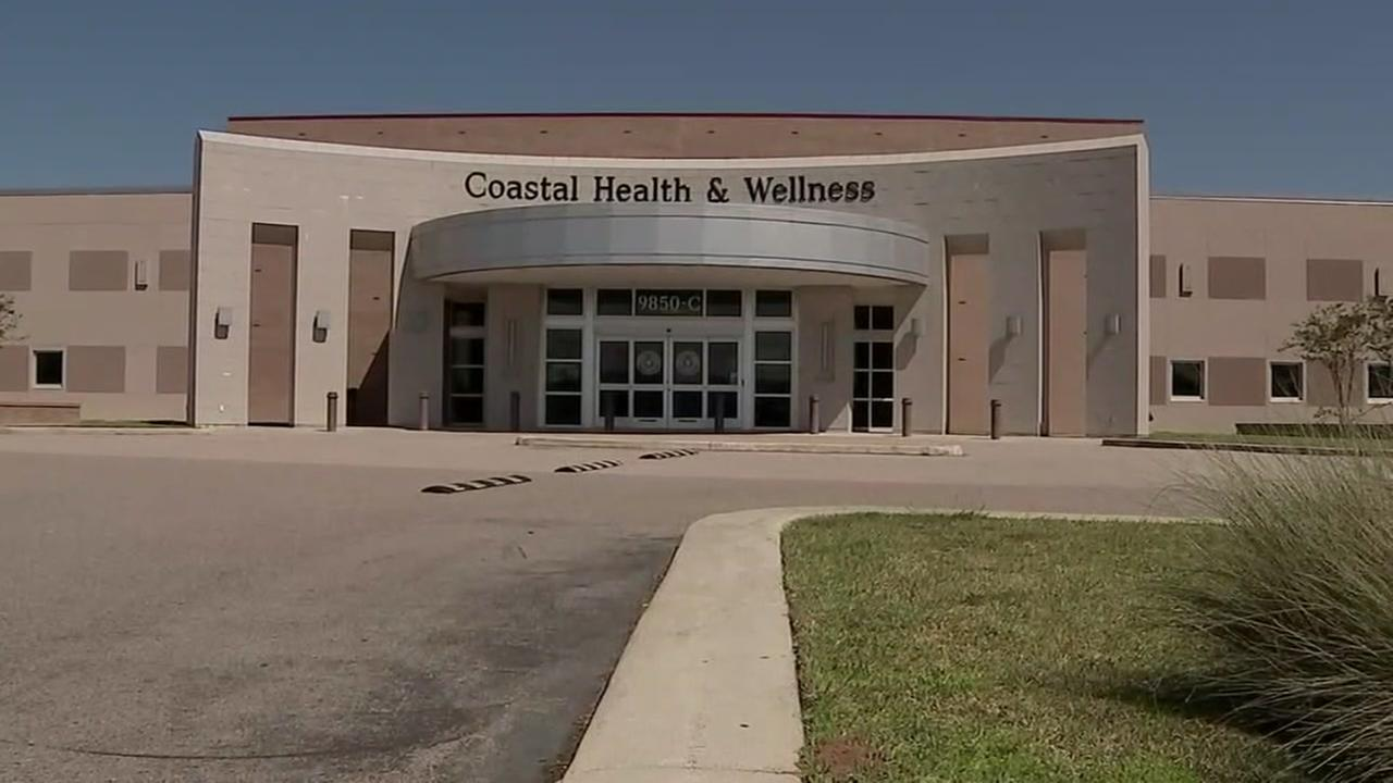 Galveston clinic director resigns