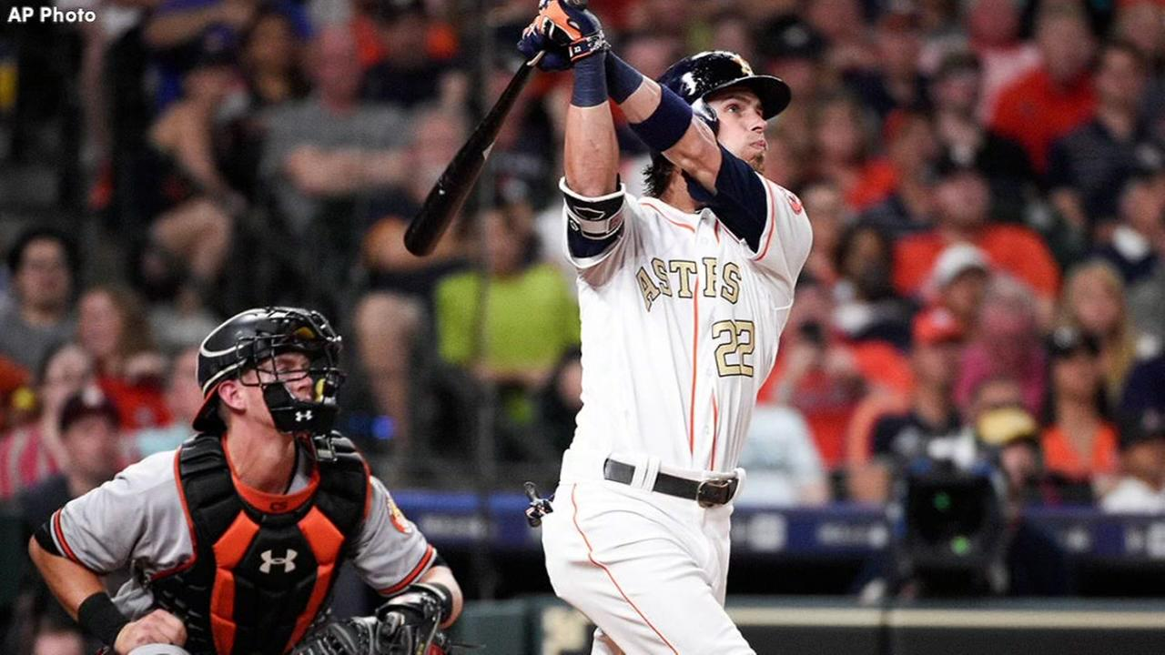 Astros carry Reddicks grand slam to win over Orioles