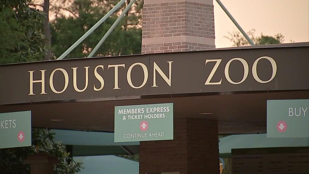 Mom recalls strange encounter with man at Houston Zoo