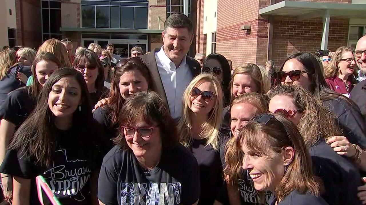 Supporters welcome Katy ISD superintendent ahead of board meeting