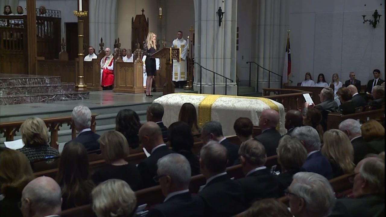 Mourners pay their respects to Barbara Bush