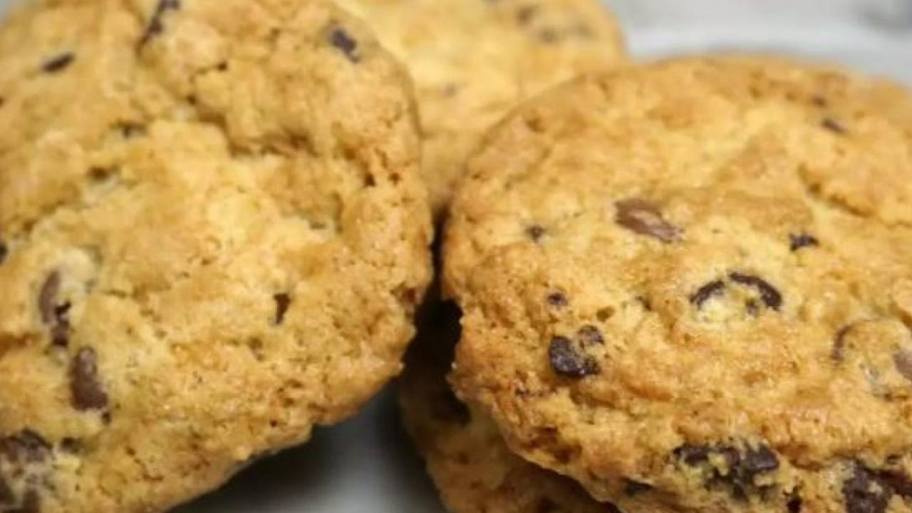 The Houstonion is serving up Barbara Bushs chocolate chip cookies