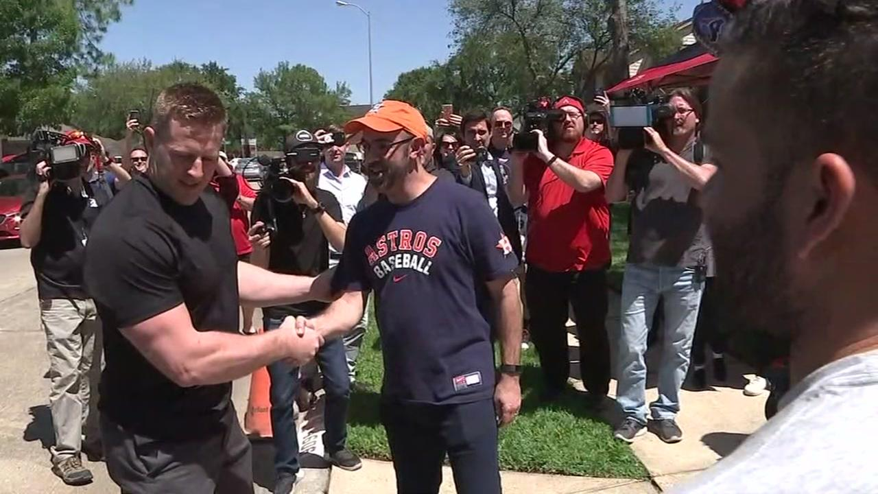 2 Houston sports superstars surprise fan with ultimate giveaway prize