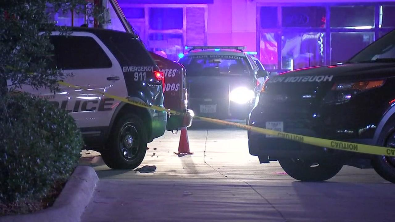 Man hit and killed in southwest Houston