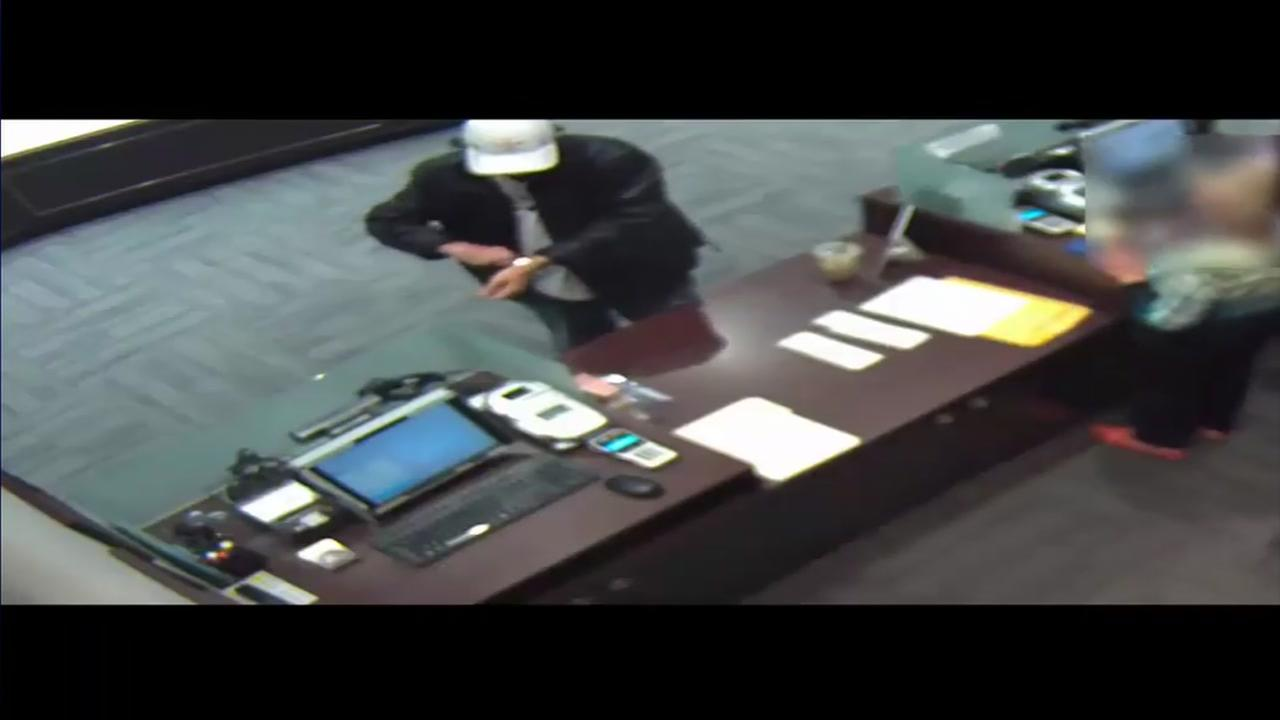 Man steals expensive watch from Galleria