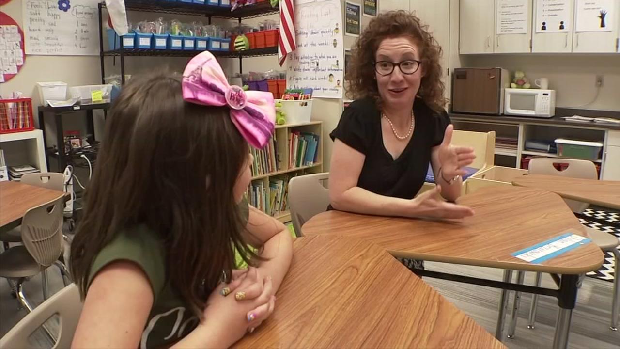 Katy ISD teacher inspires deaf students