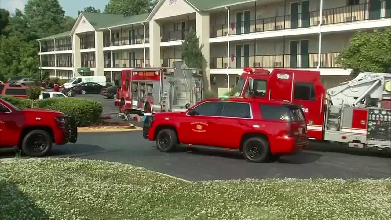 Man dead, 3 officers sick from unknown substance at hotel