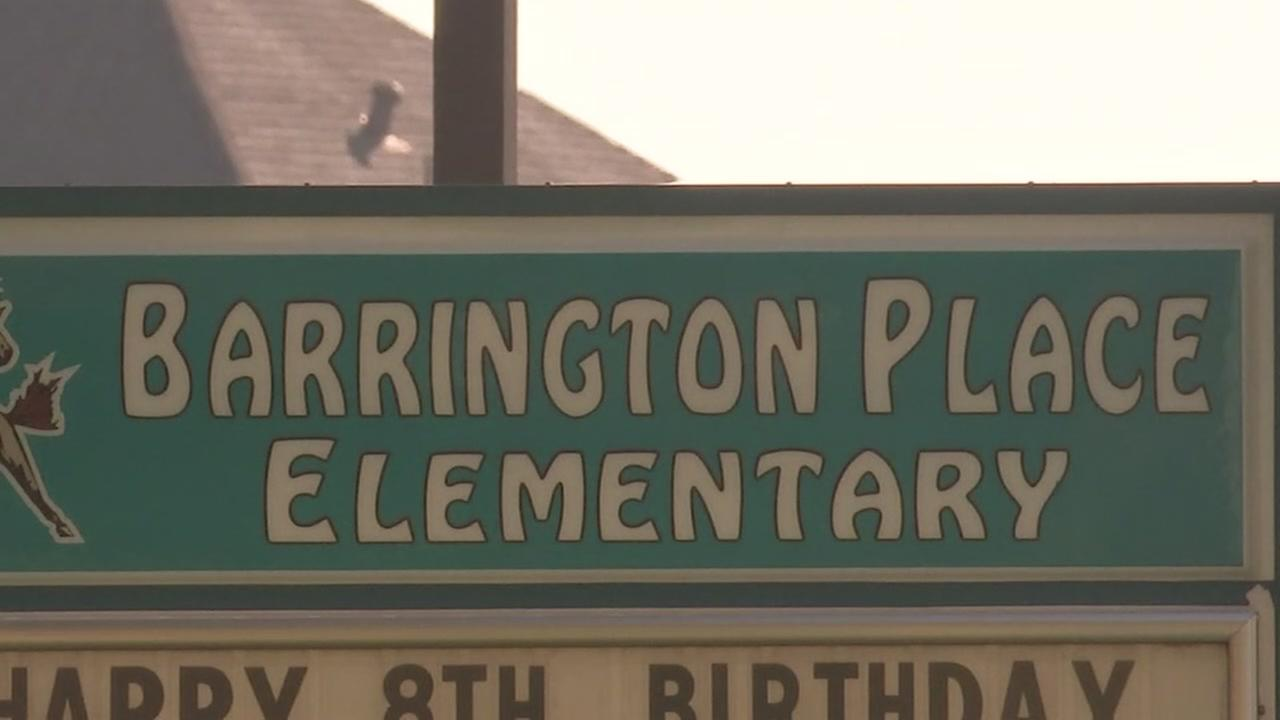 District decides to keep Barrington Place Elementary open