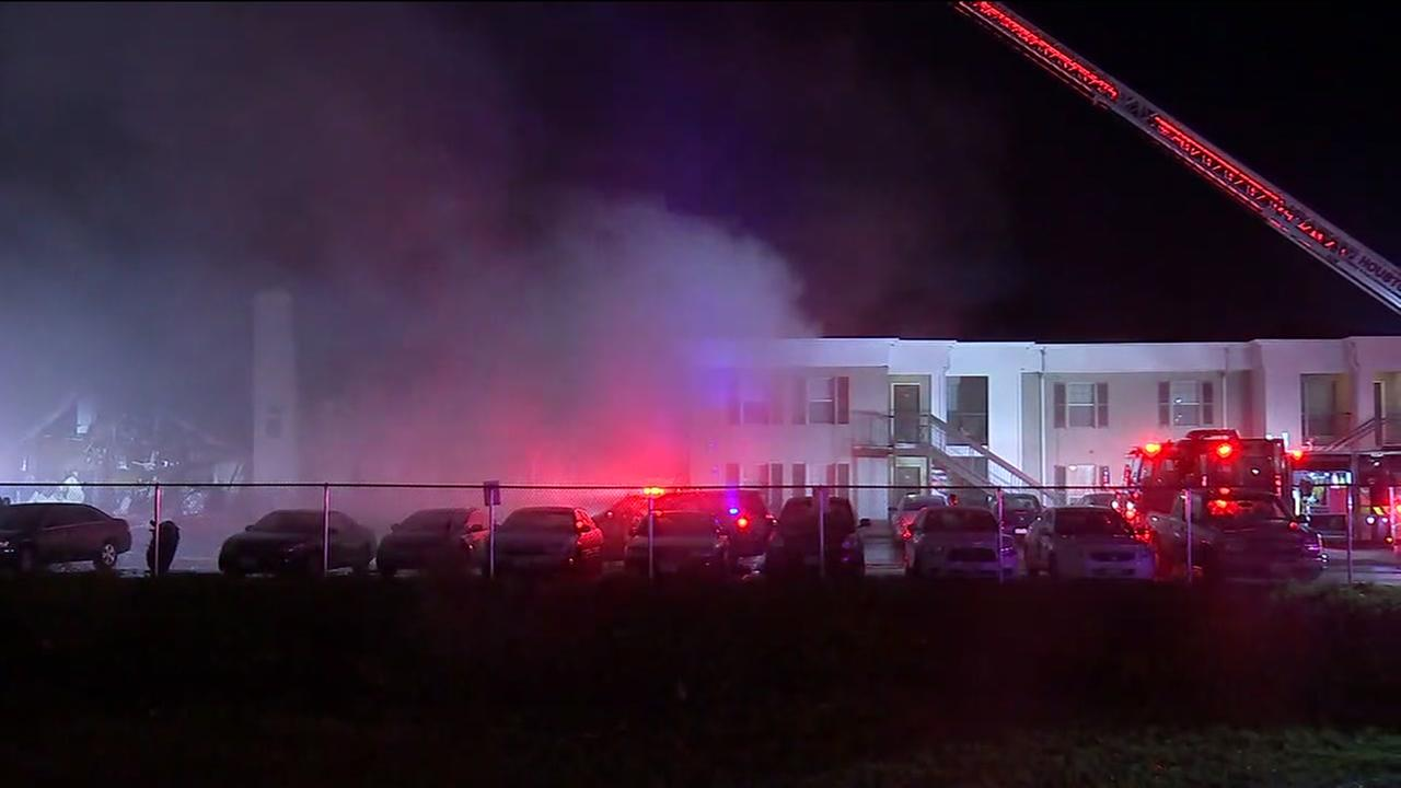 Apartment fire in southside Houston