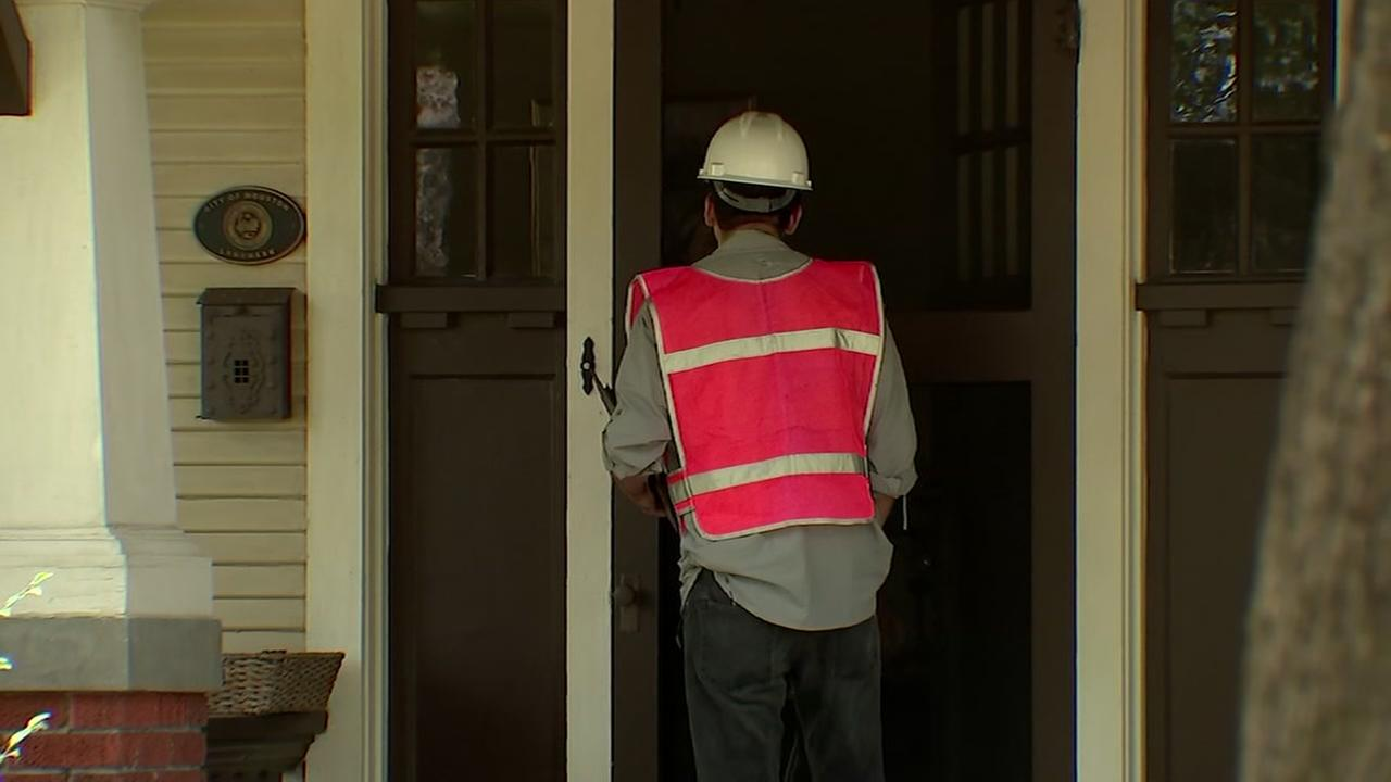 WOULD YOU FALL FOR IT? Fake utility workers at your home