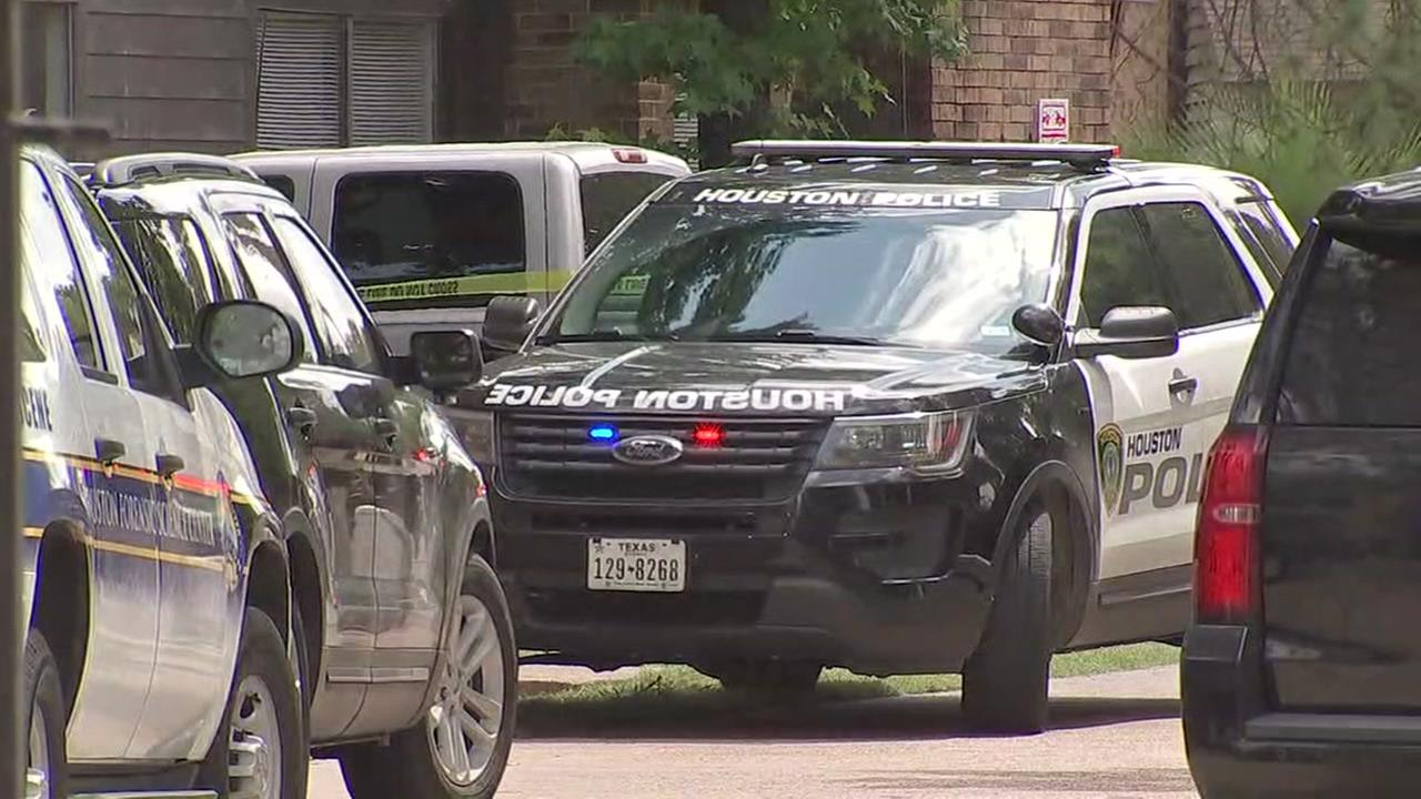 Baby rescued from scene of murder-suicide