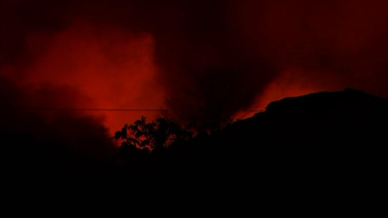 Kilauea volcano lava gaining ground, covering 4 mile area