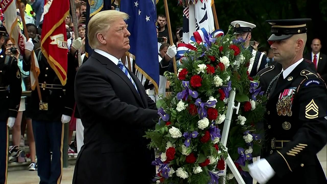 Trump lays wreath at Tomb of Unknowns