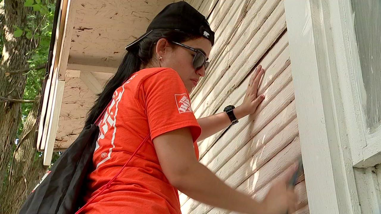 Home Depot volunteers to repair military vets homes