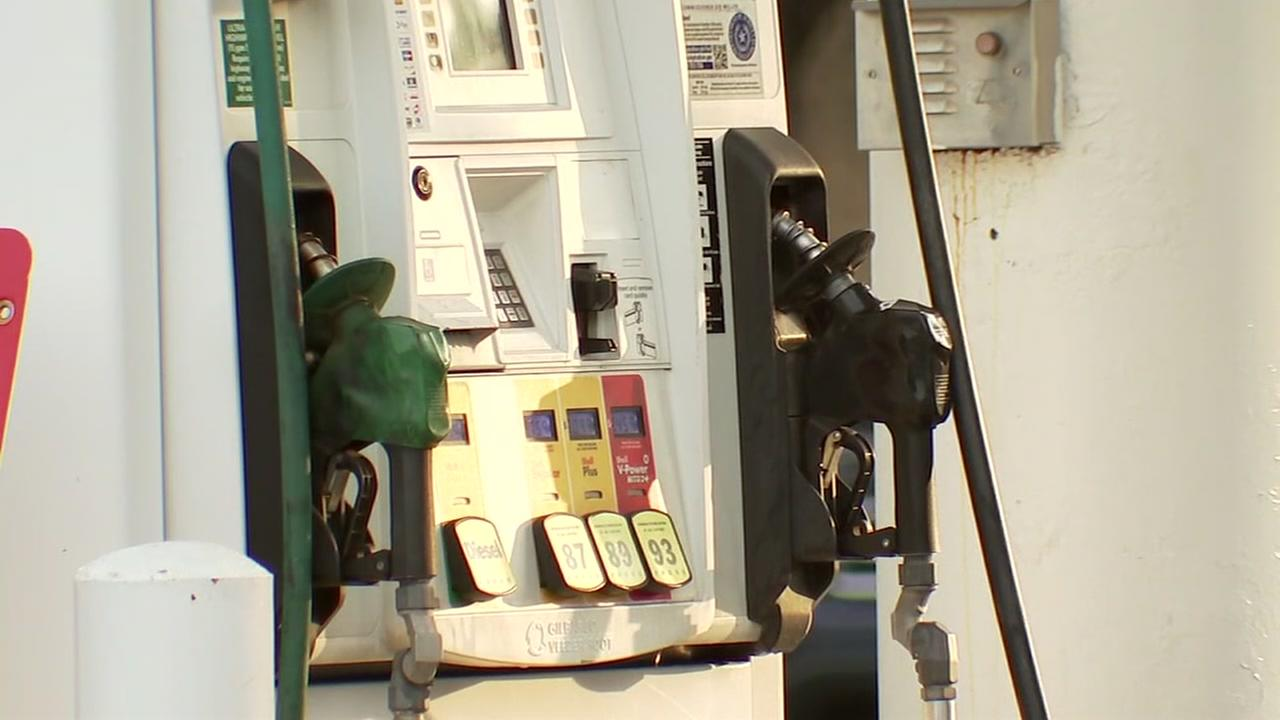 Police say credit card skimmers found at gas station in museum district