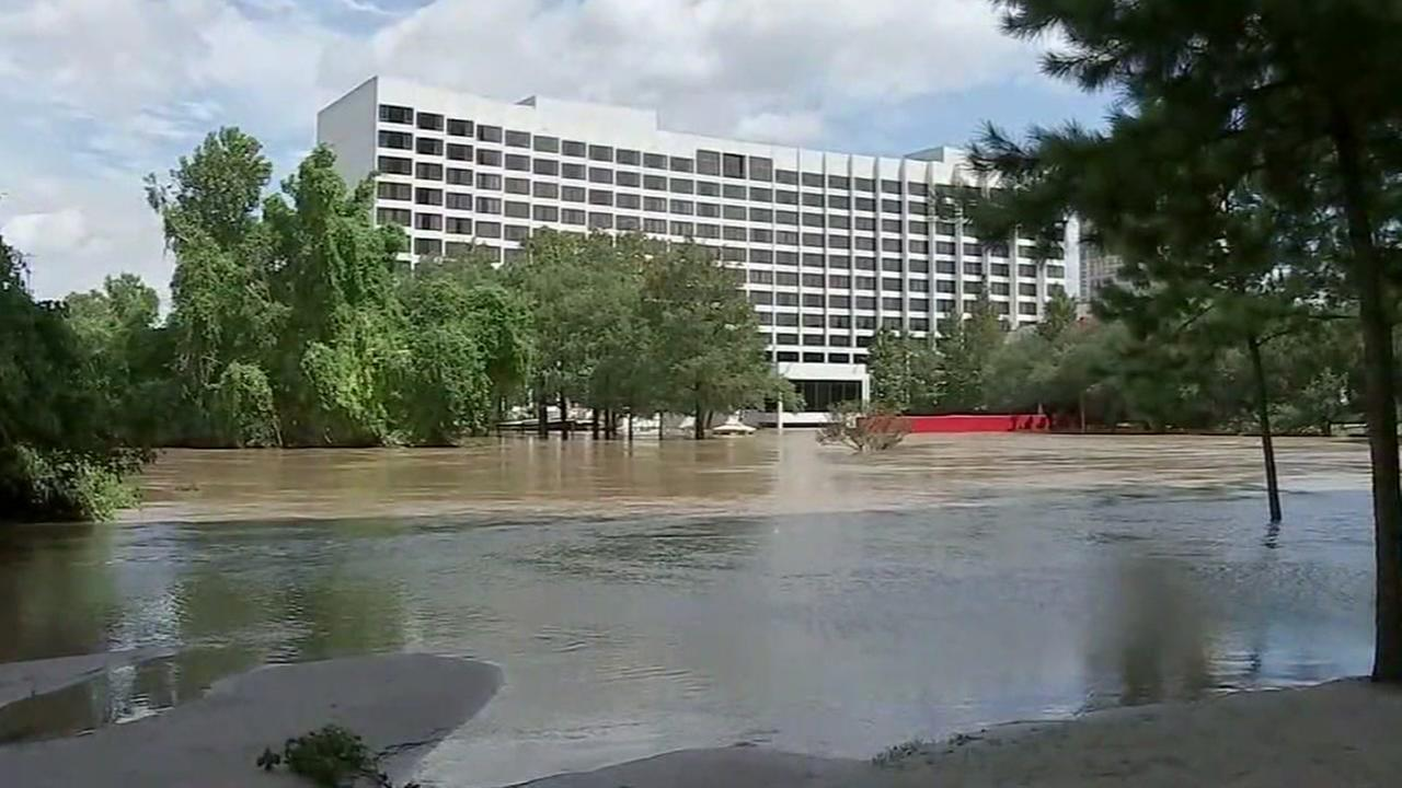 Family of woman who drowned during Harvey sues hotel