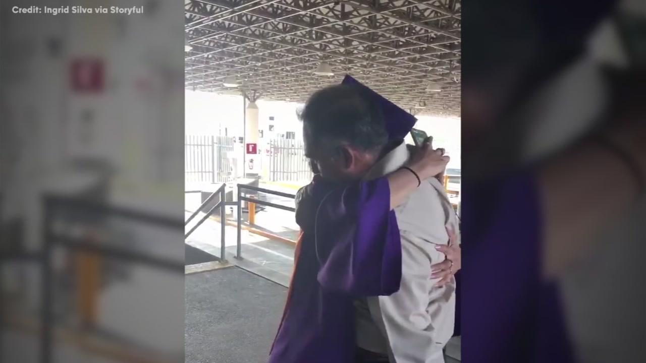 Texas teen crosses border to see dad