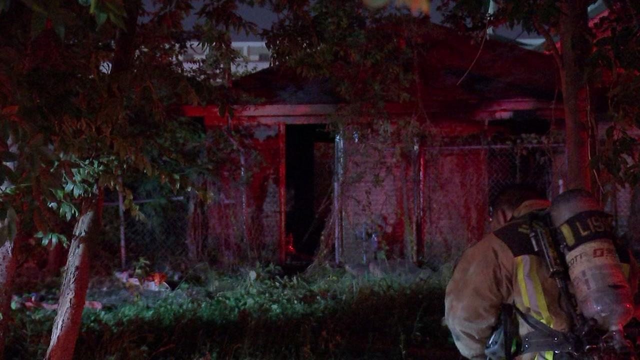 6 dogs die in NE Houston house fire