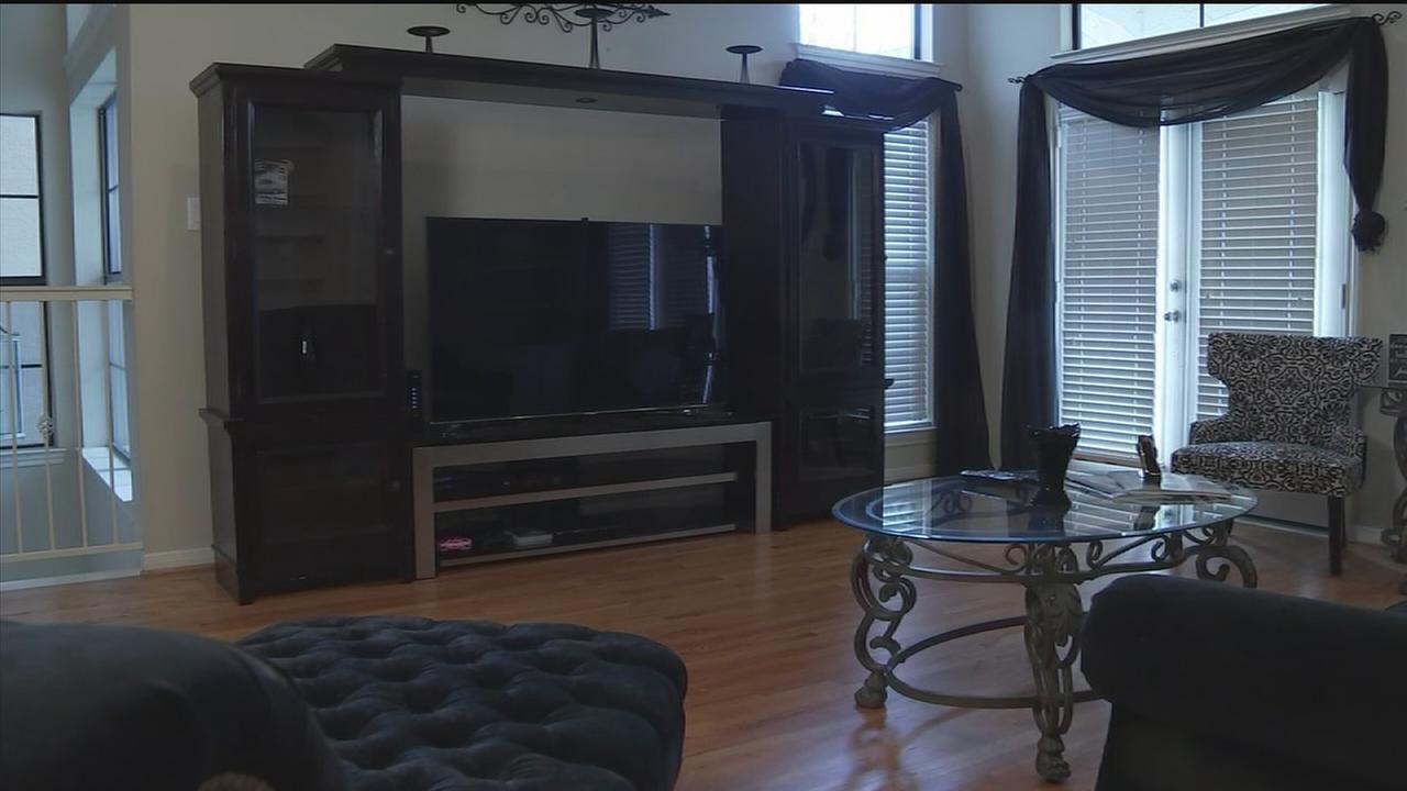 Decorating with furniture from Craigs List