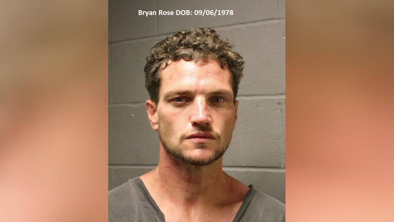 Man arrested after breaking into church, stealing purse