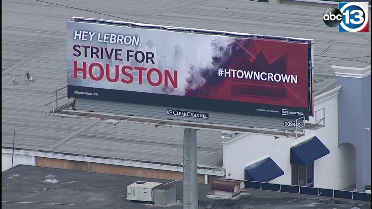 Billboard urges LeBron to strive for Houston