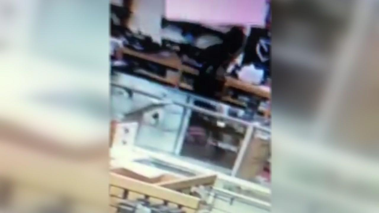 Authorities searching for 5 suspects who stole 63 guns from Spring gun store