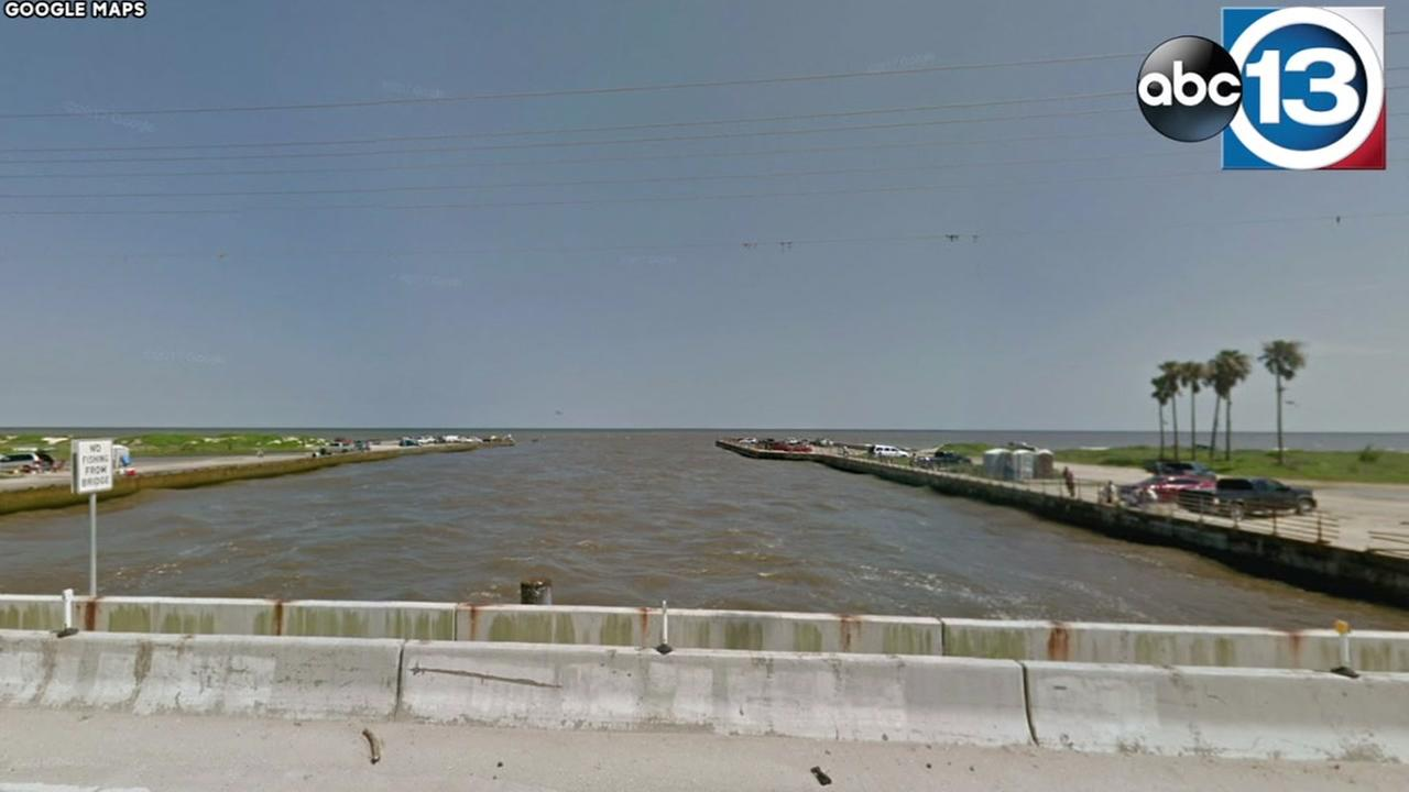 Search underway for missing swimmer off Bolivar Peninsula