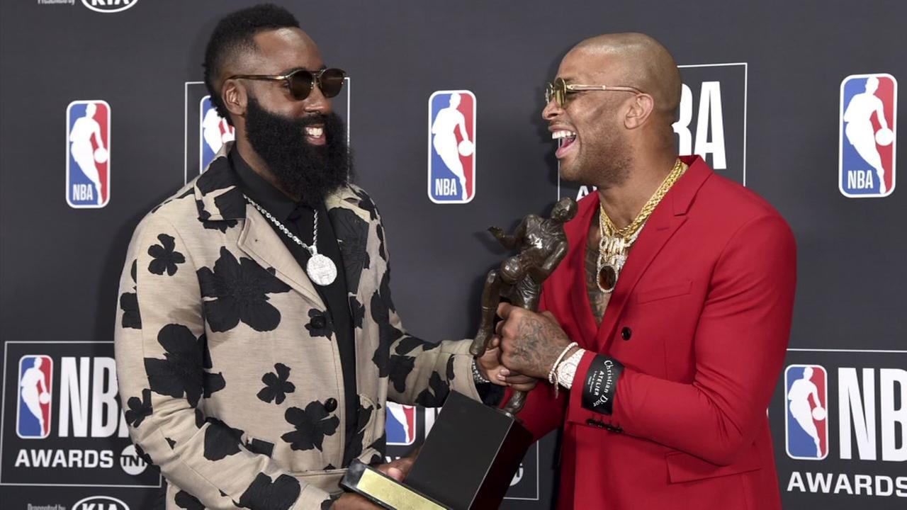 Rockets showcase their fashion at NBA Awards