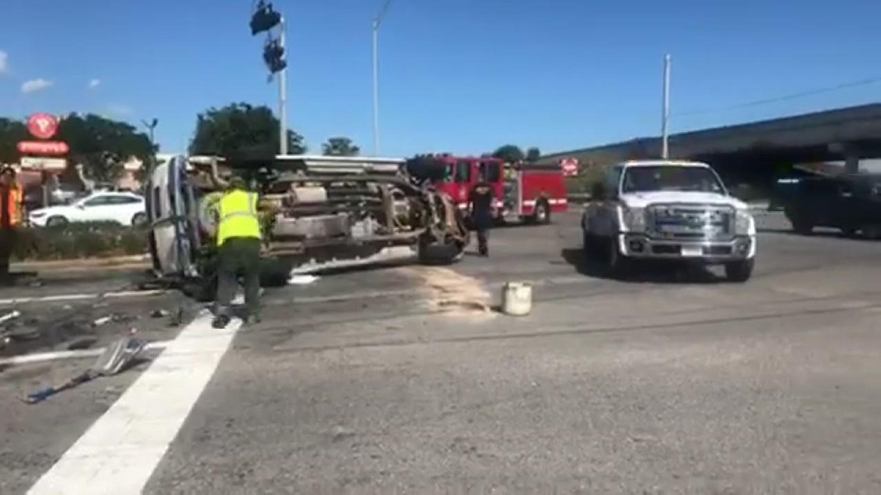 12 people injured when church bus flips in Texas City