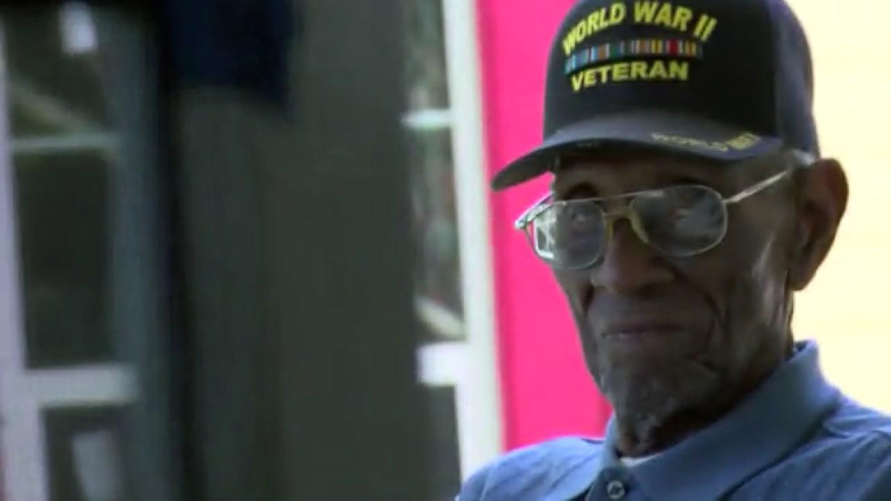Thieves drain bank account of nations oldest veteran