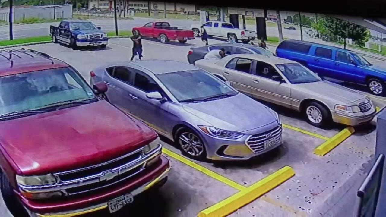 Shooting at shopping center caught on camera in Texas City