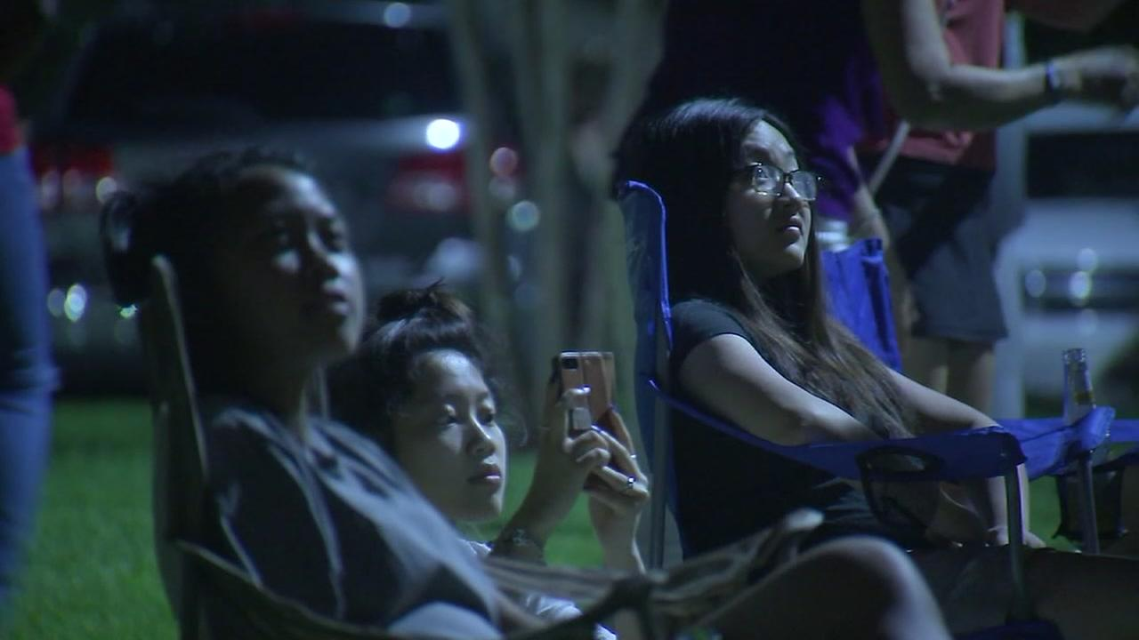 Despite rain Houstonians ventured out to watch fireworks