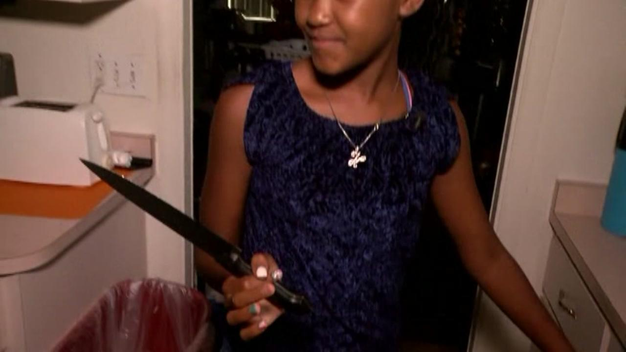 12-year-old girl scares burglar with kitchen knife