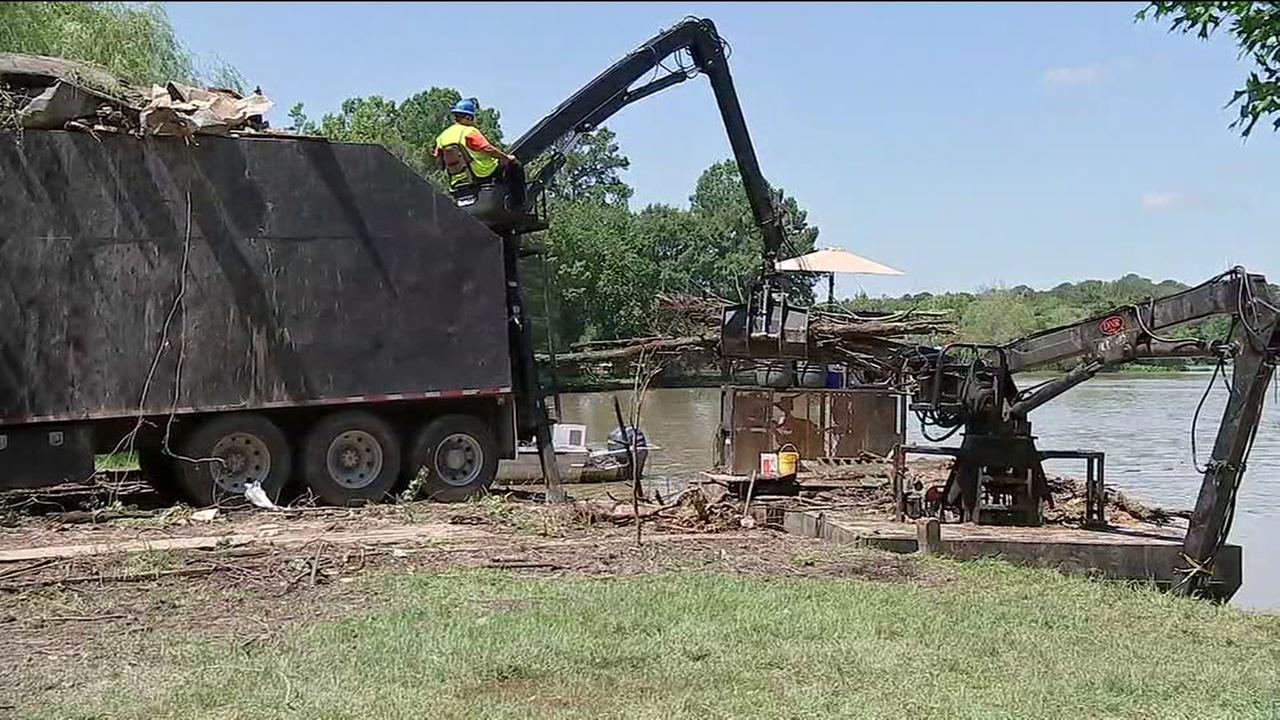 Debris removal at Lake Houston