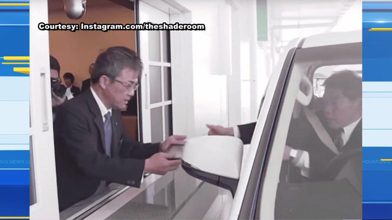 Funeral home offers drive-thru services in Japan