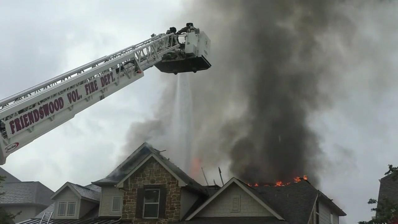 Lightning strike sparks Friendswood house fire