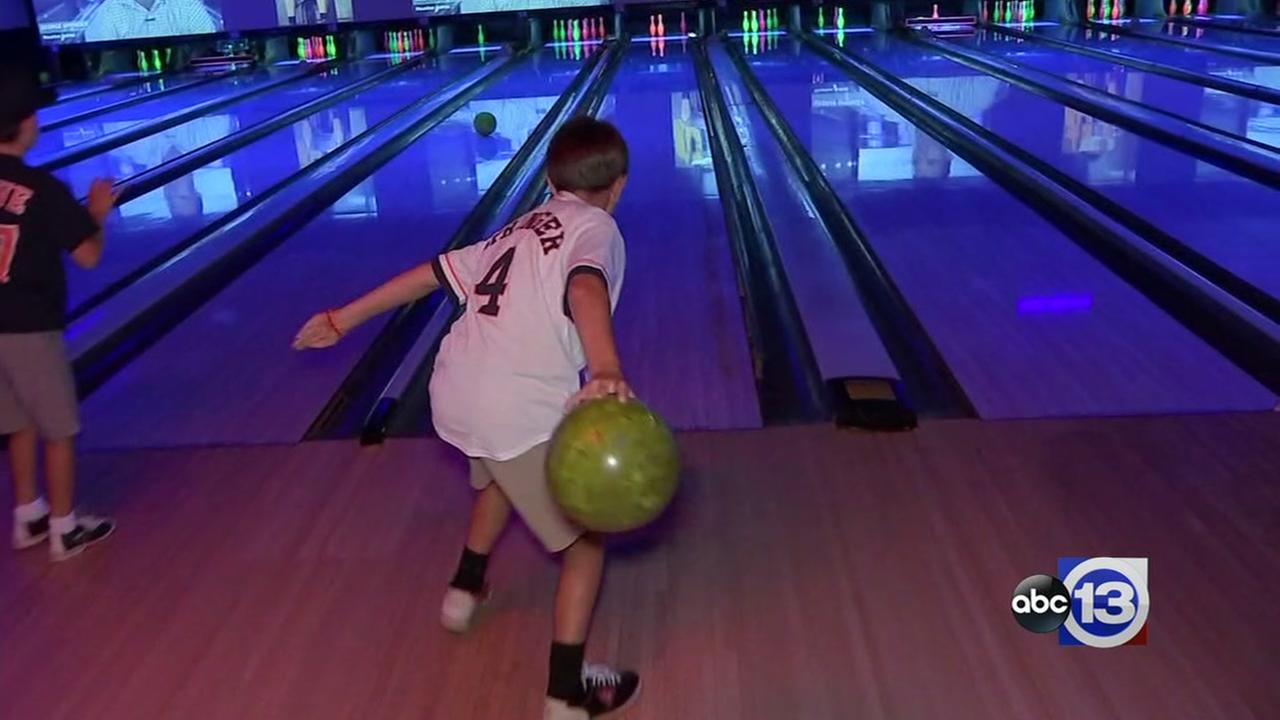 Houston Astros outfielder George Springer hosts 4th annual bowling event for charity