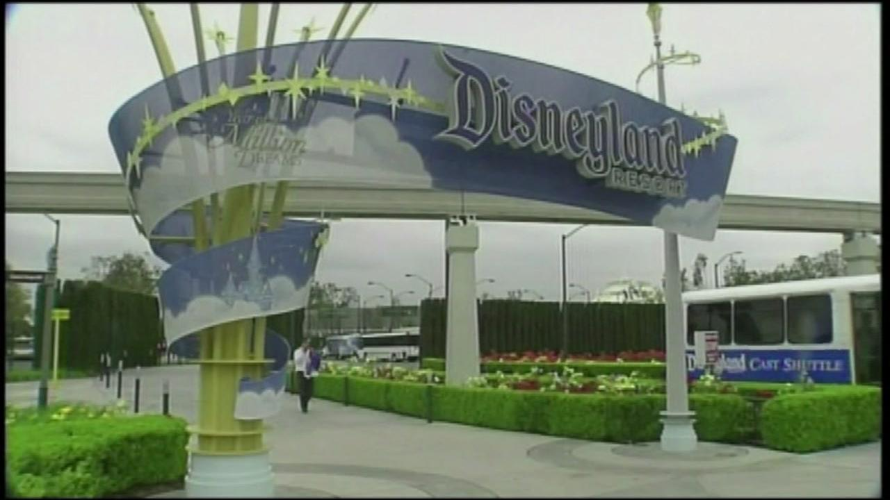 Dont fall for this Disneyland free ticket scam