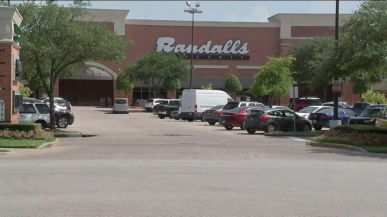 Police investigating violent purse snatchings in southwest Houston
